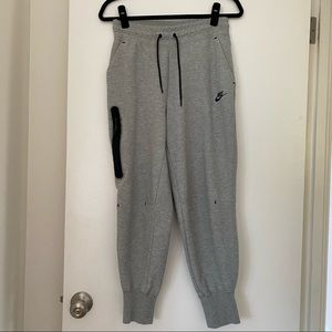 NIKE essential tech fleece joggers